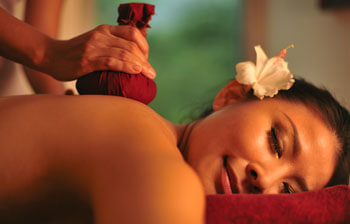 Traditional Herbal Heat Massage